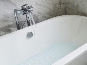 bathtub-890227_960_720